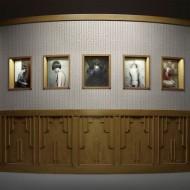 Spiare con vergogna attraverso il buco della serratura, ovvero Keyhole di Erwin Olaf