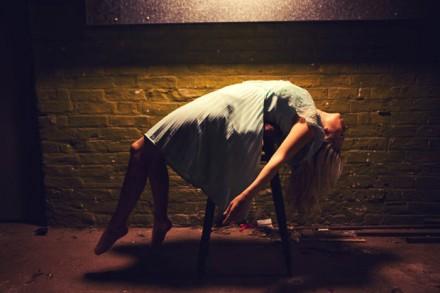 Miss Aniela Levitation (6)